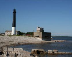 Полуостров и маяк Сырве
