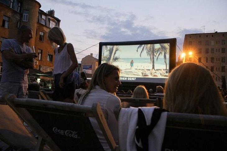 Ночные кинопоказы в Риге, Юрмале