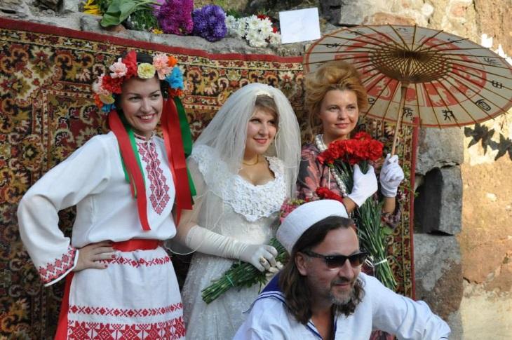 Одесский дворик праздник в Риге